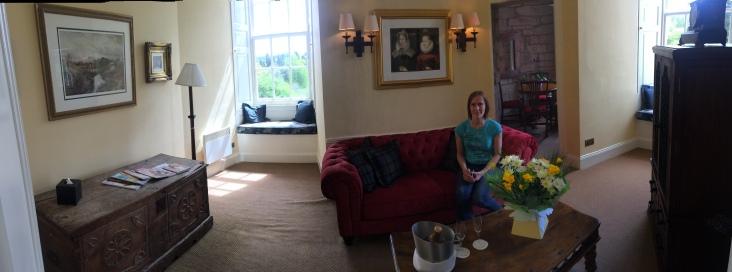Fantastisk størrelse på rommet, med eget rom i selve tårnet hvor vi spiste frokosten