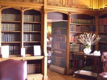 Dalhousie Castle - bibliotek bar
