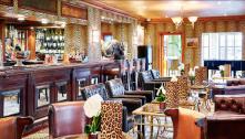 Veldig koselig bar (Terrace Bar)