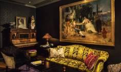 Stilig barområde med deilige sofaer og stilige detaljer (bilde lånt av hotellets hjemmeside)