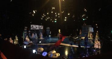 Vinterpyntet studio for juleprogrammet
