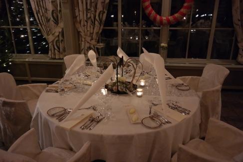 Nydelig dekket bord for middagen!